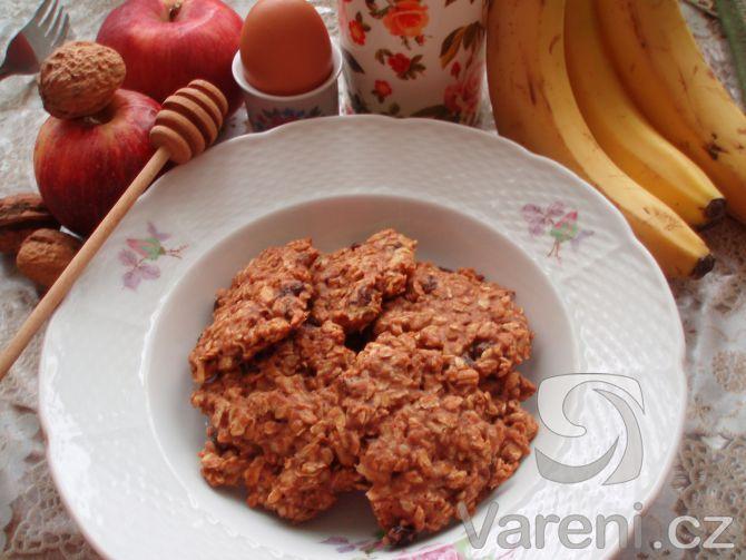 Rychlý recept na zdravé, nepřeslazené a měkké sušenky, které chutnají skvěle.  Ingredience v receptu se dají měnit podle chuti.