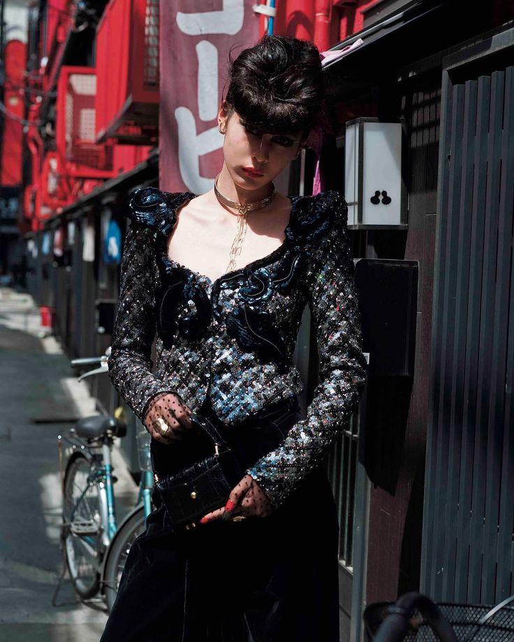 Marc Jacobs Fall'16 shot by Jiro Konami, styled by Saori Masuda for Vogue Japan October 2016