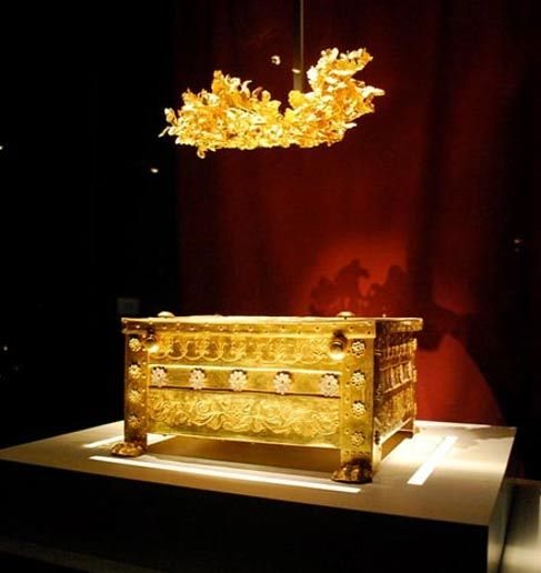 Golden larnax containing cremated remains and golden crown found in Tomb II in Vergina.