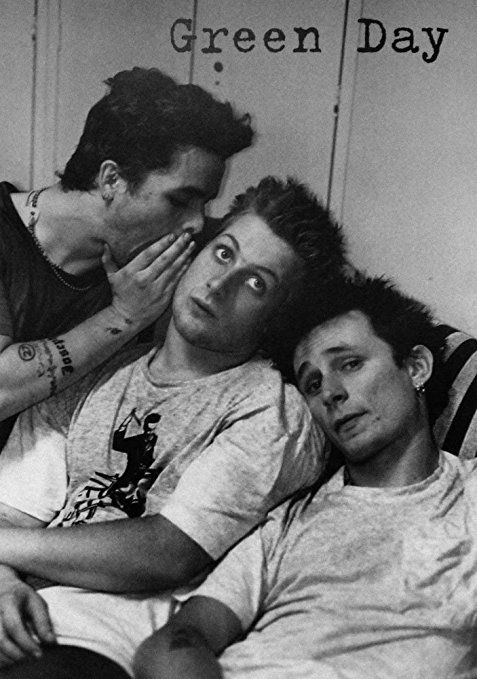 Empireposter - Green Day - Whisper - Größe (cm), ca. 59x84 - Poster Musikposter Punk Rock