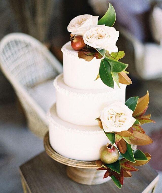 We're dreaming in pomegranates.  #WeddingCake #CakeHeaven : @langiliciousfinepastries : @carriekingphotographer