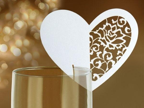 Wizytówki na kieliszki w kształcie serca :) Elegancki gadżet, który świetnie nadaje się np. na wesele.