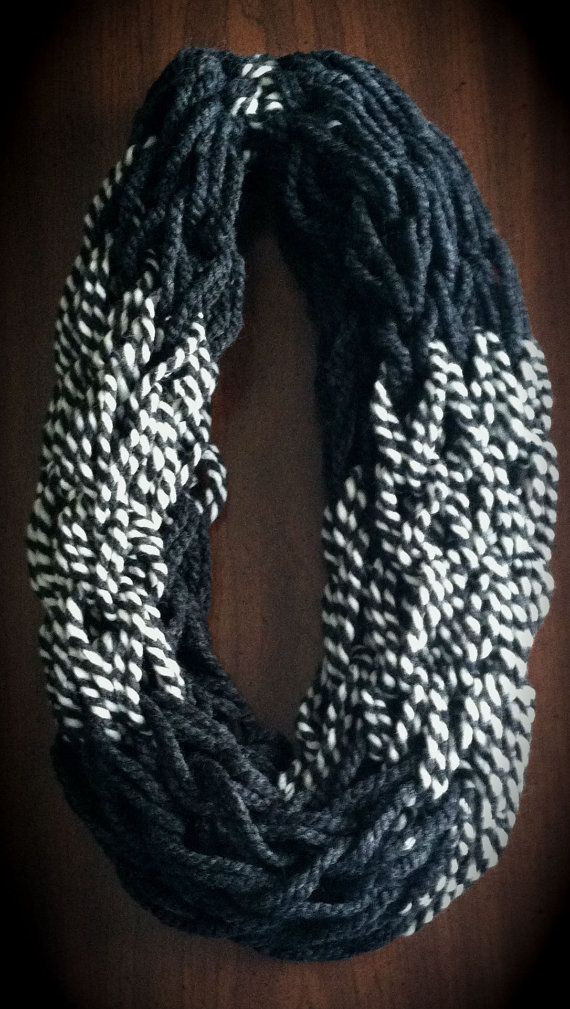 59 best Arm knitting images on Pinterest | Arm knit scarf, Knit ...