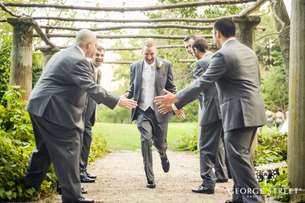 Such a fun photo idea for groomsmen!