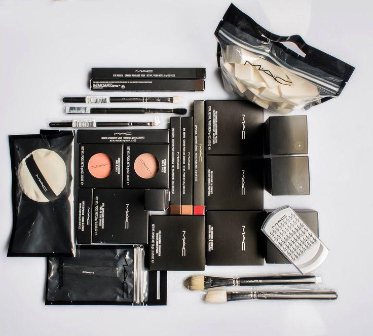 Kit #MacCosmetics, per un #MakeUp professionale.