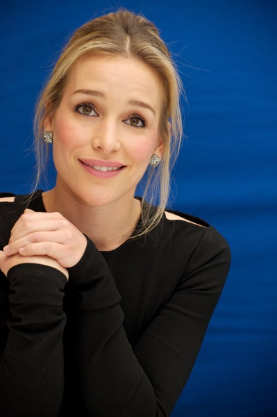 Piper Perabo...i loved her in coyote ugly