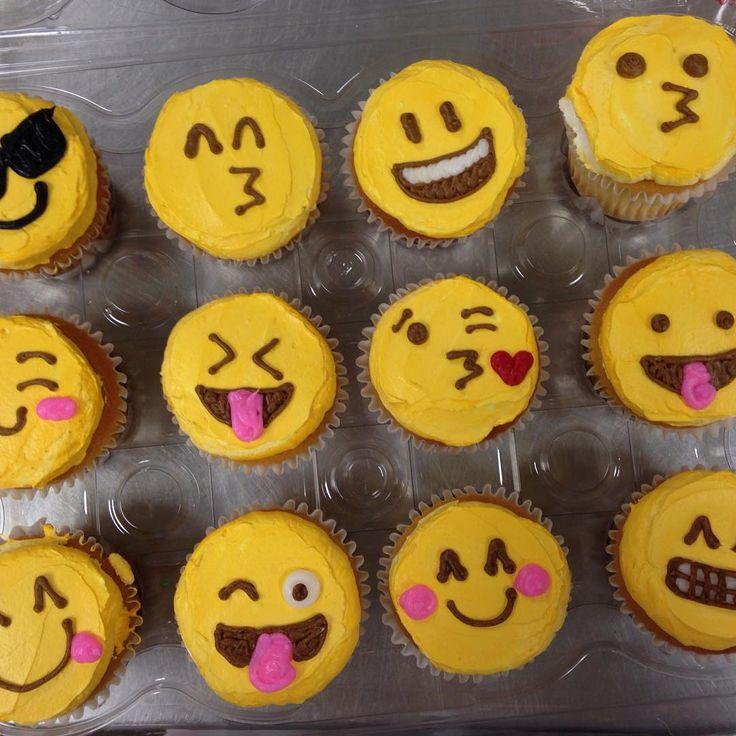 best 25 cupcake emoji ideas on pinterest. Black Bedroom Furniture Sets. Home Design Ideas