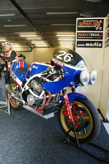 Suzuki-Martin GS1000 (Motorservice Spanjer Classic Race Team, Ron Schoens &…