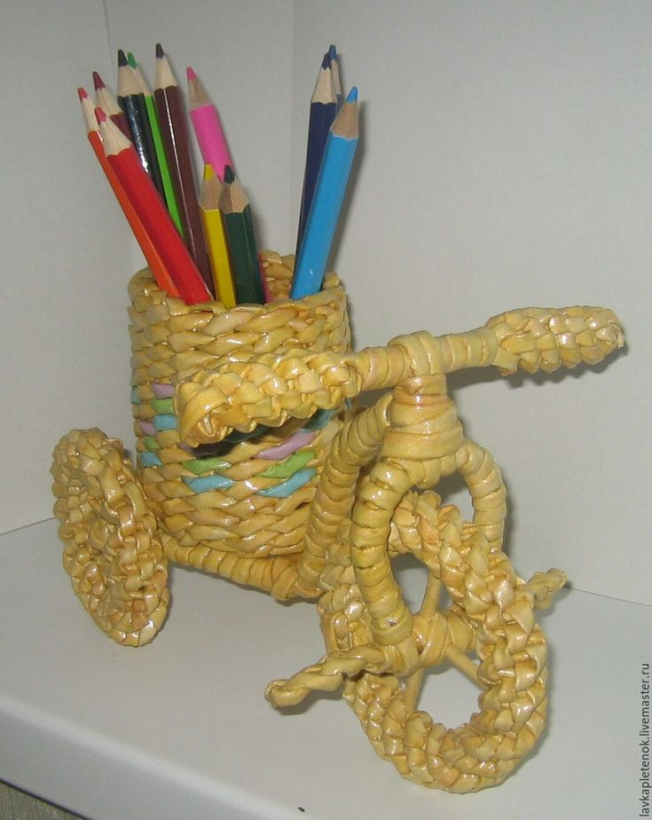 Купить Велосипед-подставка для карандашей и небольших домашних цветов. - плетеные изделия, из газетных трубочек