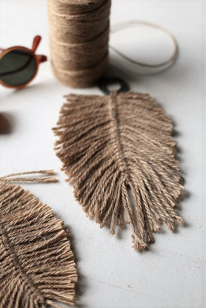 Diy Jute Feathers Elsass Diy Juuttisulka Diy Jute Crafts