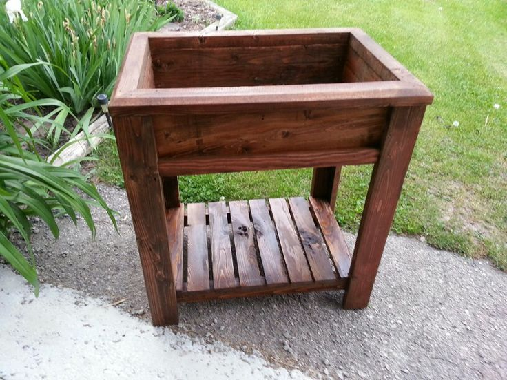Sweet little patio herb garden or flower planter...no bending to tend to your growing treasures! And a shelf below for your watering can/tools/fertilizer