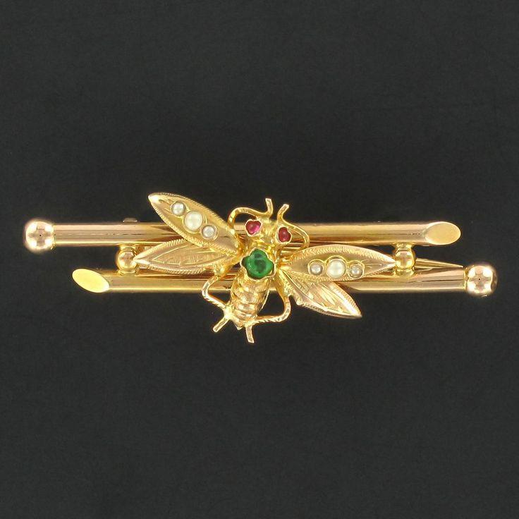 Broche ancienne insecte.  Une broche insecte délicate qui viendra se poser sur votre tenue avec raffinement. http://www.bijouxbaume.com/broche-ancienne-insecte-a2085.html