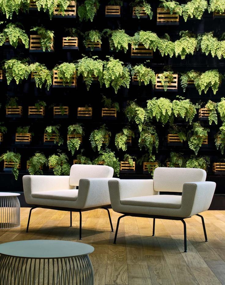 Colección de sofás y butacas modelo Serie 50 de La Cividina diseñado Antonio Rodriguez pensado para zonas de espera ,areas lounge. Mobiliario de diseño para oficinas, contract o hogar . (Espacio Aretha agente exclusivo para España).
