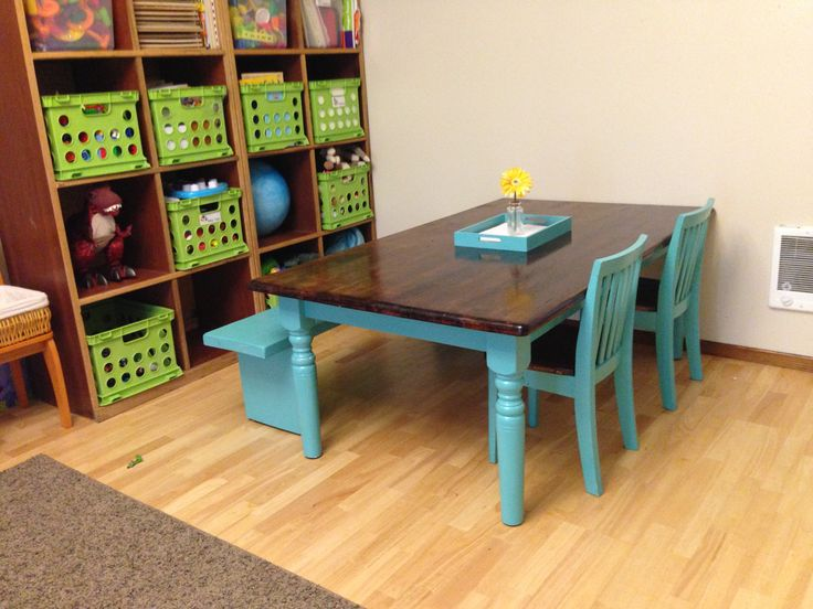 Playroom table DIY