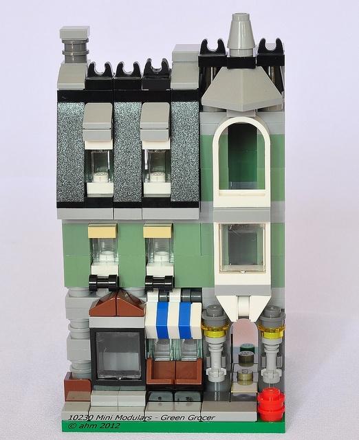 Lego 10230 Mini Modulars by KatanaZ, via Flickr