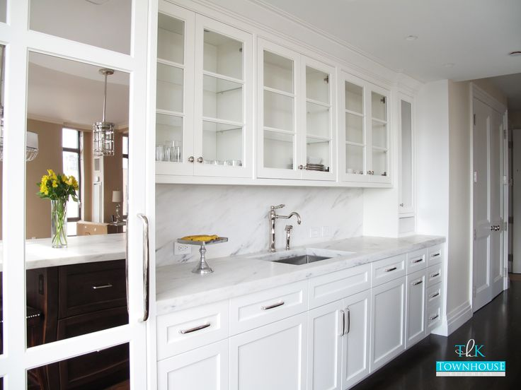 Custom Kitchen Design - White high-gloss handle-less ...