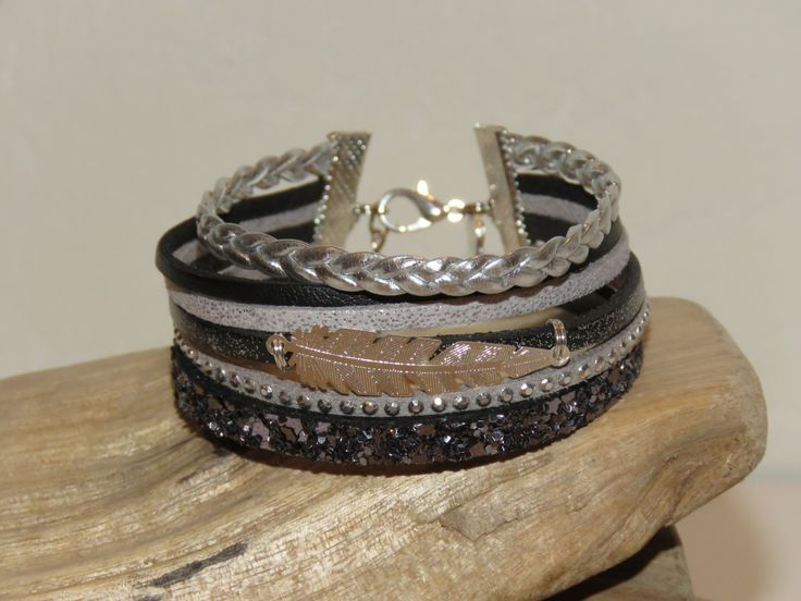 """Bracelet Manchette """"plume argentée"""" en cuir, cuir paillettes, suédine cloutée, coloris gris, noir et argent - idée cadeau : Bracelet par pimprenelle-coccinelle-creations"""