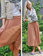 pleats and scarf