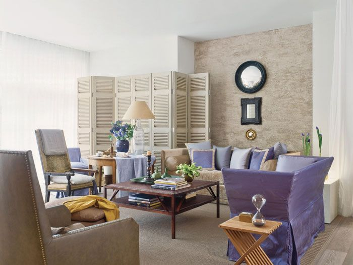 In this Soho Mews show house all upholstered furnishings are by John Saladino in his signature color. You will find touches of purple and lavender in nearly all of his designs.