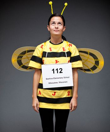 16 clever pun based halloween costumes you can diy in no time - Halloween Puns Costume