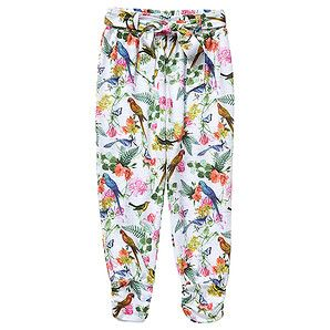 Light weight and comfy, these full length harem pants from the Chalk Board collection boast a beautiful all-over photo print of birds, butterflies and flowers. With gathering at the cuffs, they also feauture a comfortable elastic waistband and a self tie for added style.