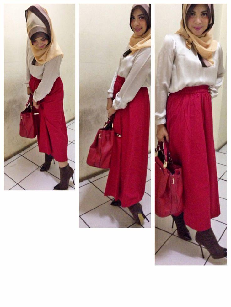 Maxi skirt red for hijab fashion and boots rok panjang juga bisa gaya