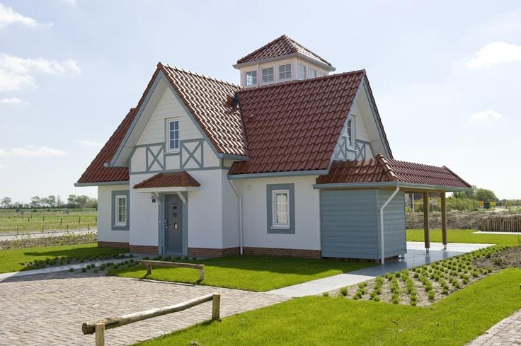 In het meest zuidwestelijke puntje van Nederland, pal achter de Zeeuws-Vlaamse kust, verrijst Noordzee Résidence Cadzand-Bad.
