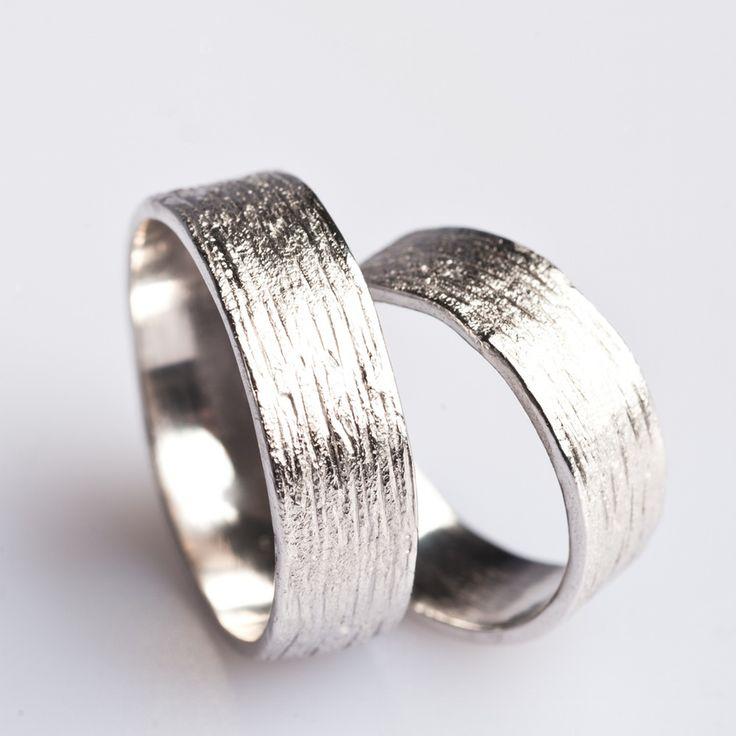 Image of Zilveren trouwring met lijntjesstructuur - ice-mat