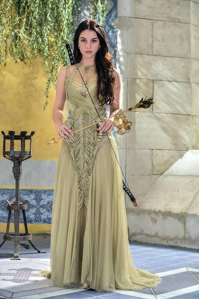 Ooooo.  Osiris.  Look out, here she comes. Archer, medieval, costume, green, renaissance, elegant sleeveless