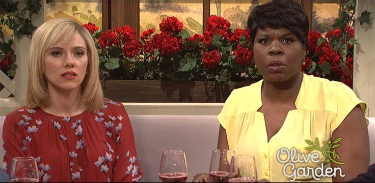 Scarlett Johansson Hosts SNL and Kisses Leslie Jones in Olive Garden Parody Sketch