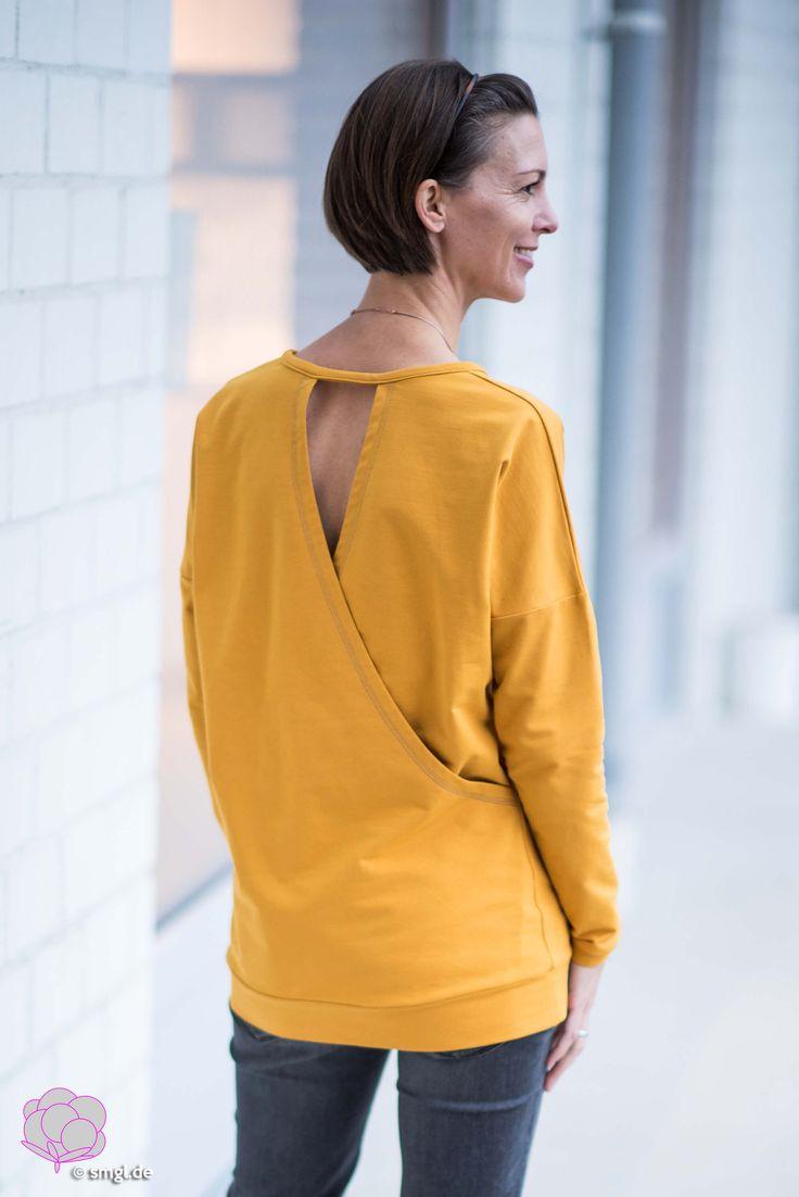 Brandneues Schnittmuster: Sweater Frau Vega von fritzi//schnittreif mit gewickelter Rückenoptik in leuchtendem Gelb. Selbermachen macht glücklich: DIY, Biostoffe, Nähen, Bionähen,