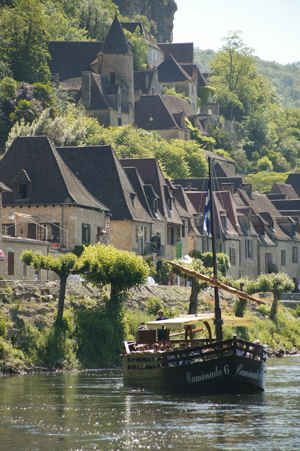 A river ride offers the most amazing and spectacular views, from the river Dordogne, at Beynac, Dordogne.