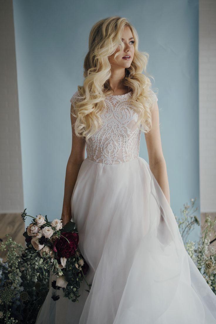 Best 25+ Modest wedding gowns ideas on Pinterest | Modest ...
