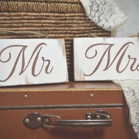 """""""Mr"""" és """"Mrs"""" feliratú fa táblaképek, Dekoráció, Esküvő, Kép, Esküvői dekoráció, Meska"""