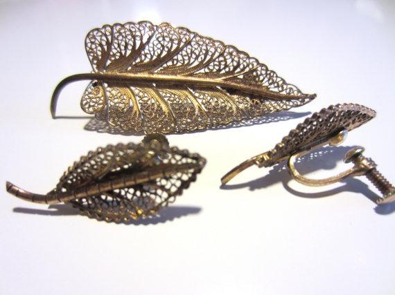 40s Brass Filigree Leaves Brooch and Earrings Set