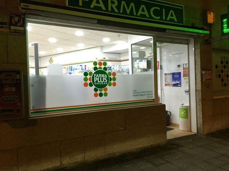 Escaparate en Vienilo Ácido y de Colores para Farmacia en Vigo!!