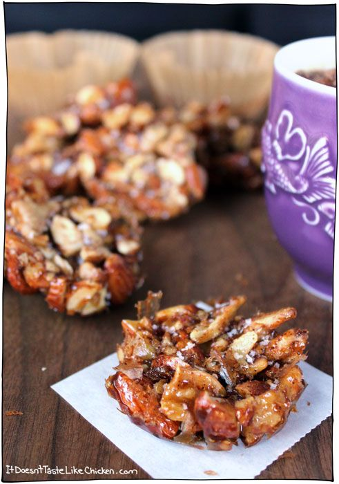 5 Ingredients + 10 minutes to make nutty, salty, mapley clusters = YES PLEASE!