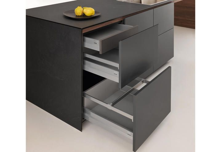 Valcucine-design-kitchen-Forma-Mentis-space-restraining-bases-07