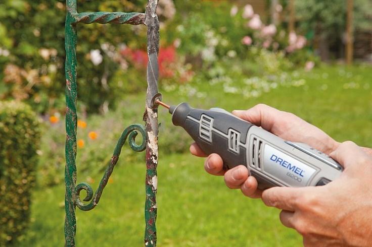 Dremel 8200 with Bristle Brush (403)