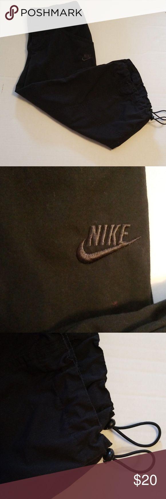 Nike Sportswear Drawstring Cuff Pants Wie neu, Nike Sportswear Drawstring Cuff Pants …   – My Posh Picks