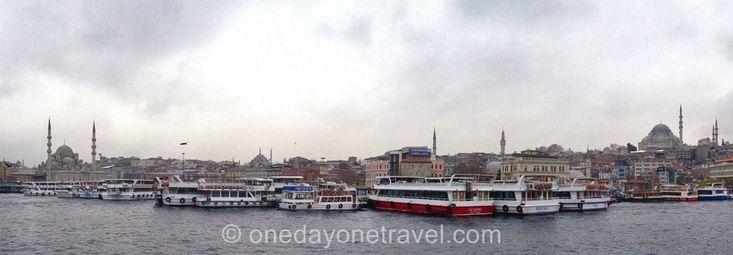 On ne peut pas visiter Istanbul sans faire une croisière sur le Bosphore. Cette échappée en bateau permet de contempler le skyline d'Istanbul côté Europeen et côté Asie.