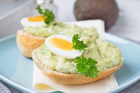 Brimsen-Aufstrich mit Avocados und Eiern ist einfach zubereitet, ein einfaches…