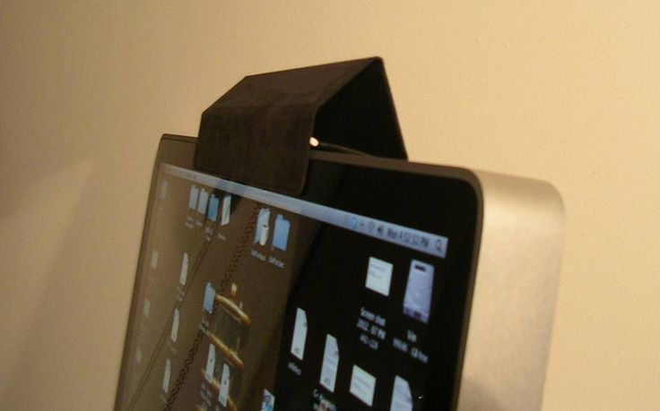 'Post-it' ou adesivo sobre a lente se torna mais comum entre usuários. Mas é difícil proteger os aparelhos de uma possível espionagem de áudio