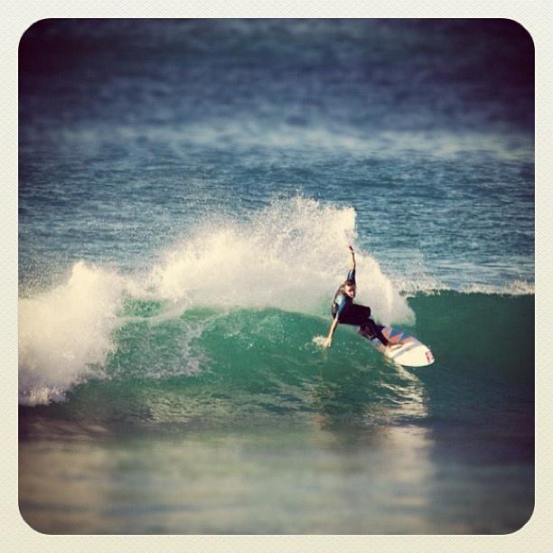 Flying at Bondi #surfer #atbondi #bondi #surf #sydney #waves #surfing #australia #swell #sunny