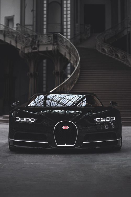 azearr:  Bugatti Chiron at Grand Palais | Source | Azearr