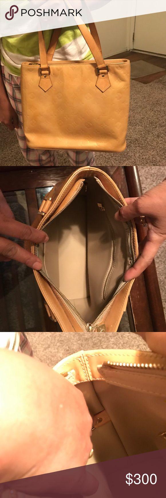 Louis Vouitton hand bag tan to cream louis vouitton handbag Louis Vuitton Bags Shoulder Bags