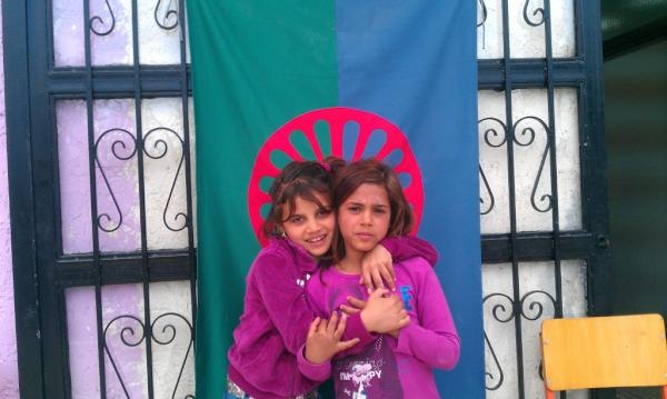 """From @damomac on twitter - """" April 8 was International #Roma Day: about 200-300k Roma live in Greece, or 3% of population. Here are two of them. pic.twitter.com/DhHAEWCb """""""