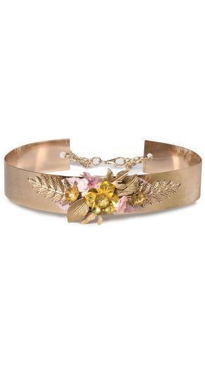 Cinturón joya para vestidos de novia e invitadas de metal dorado disponible para su alquiler on-line en dresseos.com