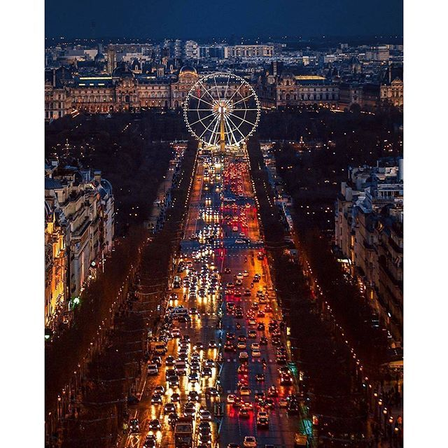#MondayPic #BestImage #MemoriesOfParis #MissingMontmartre and #crêpes @Regrann_App from @earthpix -  Paris :flag_fr:   Photo by @onthere - #regrann (scheduled via http://www.tailwindapp.com?utm_source=pinterest&utm_medium=twpin&utm_content=post113173653&utm_campaign=scheduler_attribution)