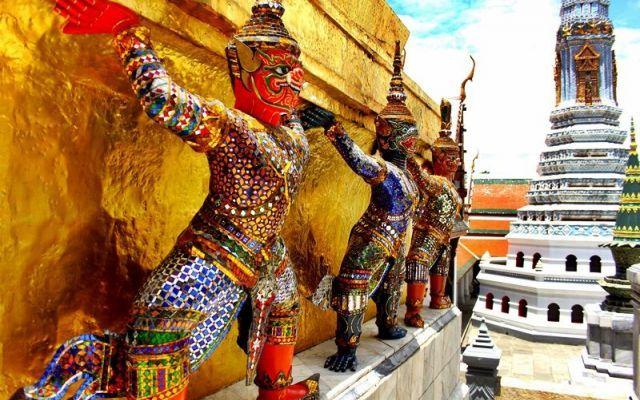 Cosa sapere prima di visitare la Thailandia, il nostro viaggio di nozze alla scoperta della terra dei sorrisi La Thailandia è il paese che abbiamo scelto di visitare per il nostro viaggio di nozze, connubio tra cultura, scoperta di nuove tradizione e mare paradisiaco. Consiglio a tutti di andarci prima o po